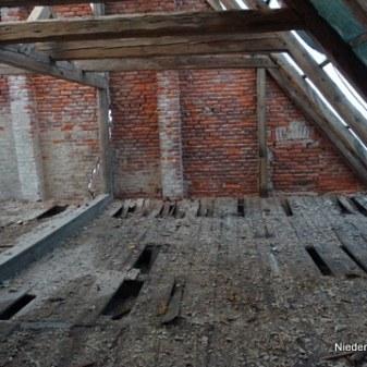 marodes Dachgeschoss